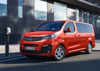Opel Zafira Life teraz w wersji elektrycznej. Kuzyn Peugeot e-Traveller